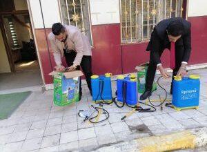صورة أساتذة من قسم القانون في الصويرة نظموا حملة تعفير لبناية الكوت الجامعة اليوم .