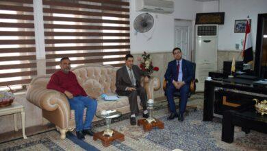 صورة زيارة عميد كلية الطوسي الجامعة لكلية العلوم-جامعة الكوفة