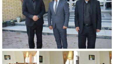 صورة وفد من اقسام الكلية في النجف الأشرف يزور مديرية مؤسسة الشهداء في المحافظة