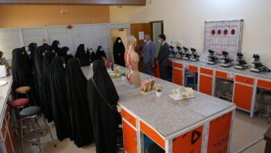 صورة زيارة طلبة مدارس الامام علي (ع) الى كليتنا