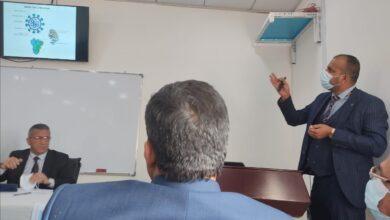 صورة تدريسي في جامعة العين محاضرا في الملتقى العلمي التخصصي في ذي قار