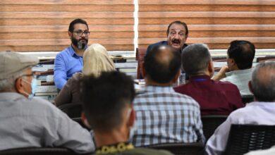 صورة جلسة أدبية أقامها اتحاد أدباء واسط على قاعة معرض الكوت الدولي اليوم .