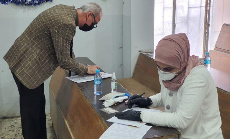 صورة زيارة الفريق الميداني المكلف من قبل الفريق الوزاري لمتابعة سير العملية الإمتحانية