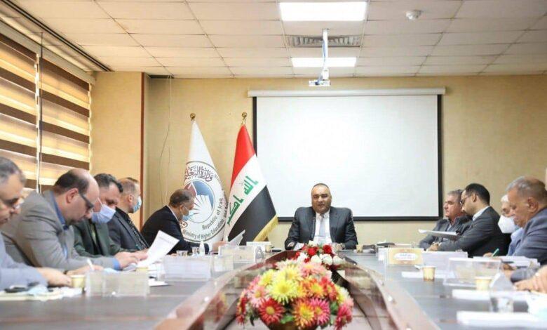 صورة رئيسُ جامعة العميد يشارك في اجتماع مجلس التعليم العالي الأهلي لمناقشة استعدادات العام الدراسي المقبل