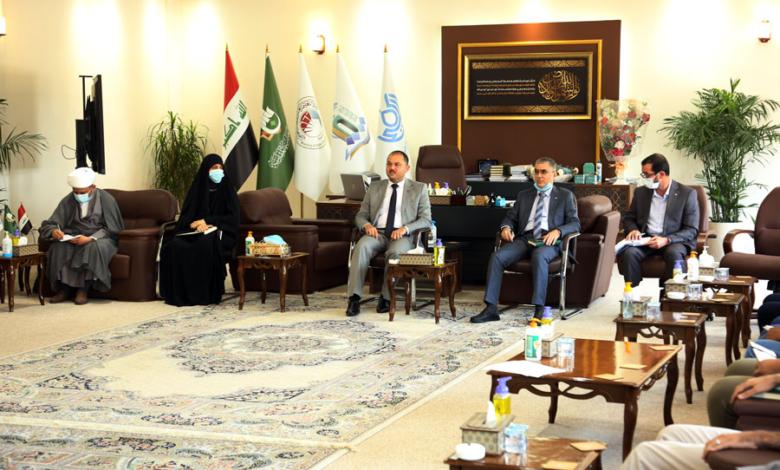 صورة رئيس جامعة الكفيل يلتقي الكوادر الإدارية في الجامعة
