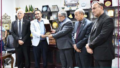 صورة زيارة اللجنة الوزارية الخاصة بقسم هندسة تقنيات الاجهزة الطبية .