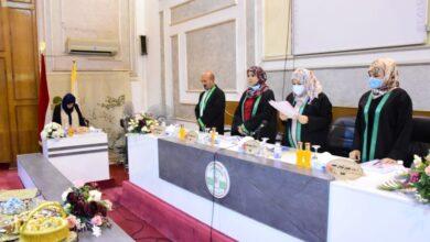 صورة الدكتورة هديل تومان تمثل كلية الامام الكاظم(ع) في مناقشة رسالة ماجستير بجامعة بغداد