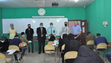 صورة رئيس جامعة القادسية يتفقد القاعات الامتحانية في كلية الهندسة لامتحانات الدور الثاني النهائية الحضورية
