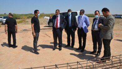 صورة رئيس جامعة القادسية يتابع ميدانياً مراحل الاعمار والبناء في رحاب كلية الاداب